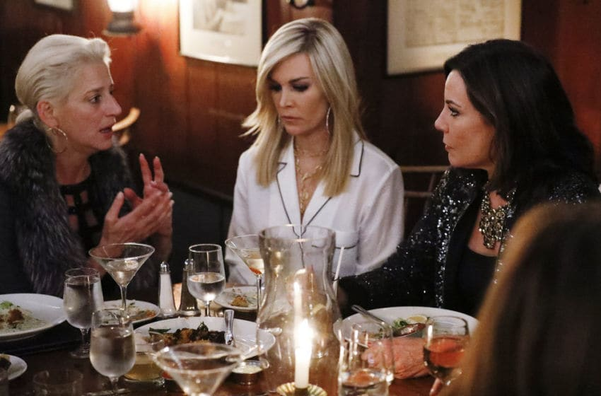 THE REAL HOUSEWIVES OF NEW YORK CITY -- Episode 1112 -- Pictured: (l-r) Dorinda Medley, Tinsley Mortimer, Luann de Lesseps -- (Photo by: Heidi Gutman/Bravo)