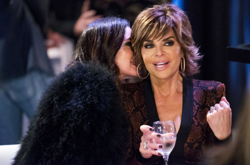 THE REAL HOUSEWIVES OF BEVERLY HILLS, Kyle Richards, Lisa Rinna (Photo by: Nicole Weingart/Bravo)