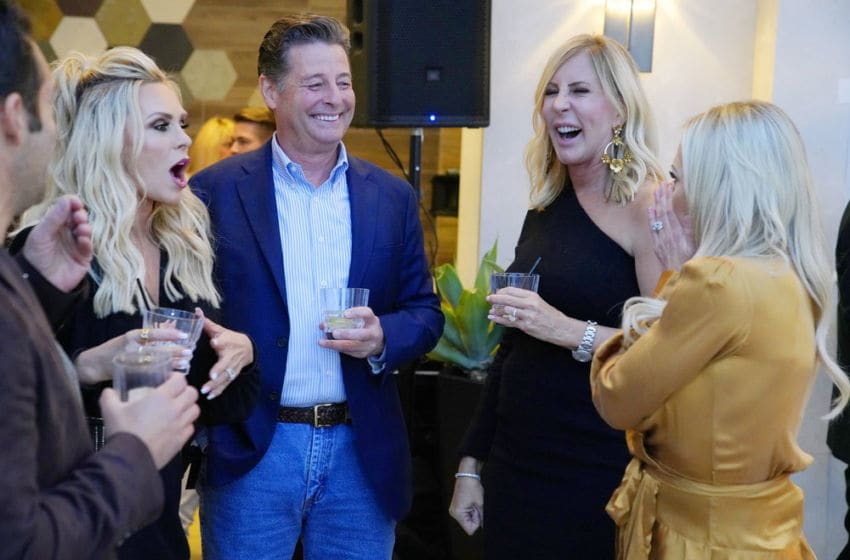 THE REAL HOUSEWIVES OF ORANGE COUNTY, Tamra Judge, Steve Lodge, Vicki Gunvalson, Braunwyn Windham-Burke (Photo by: Casey Durkin/Bravo)
