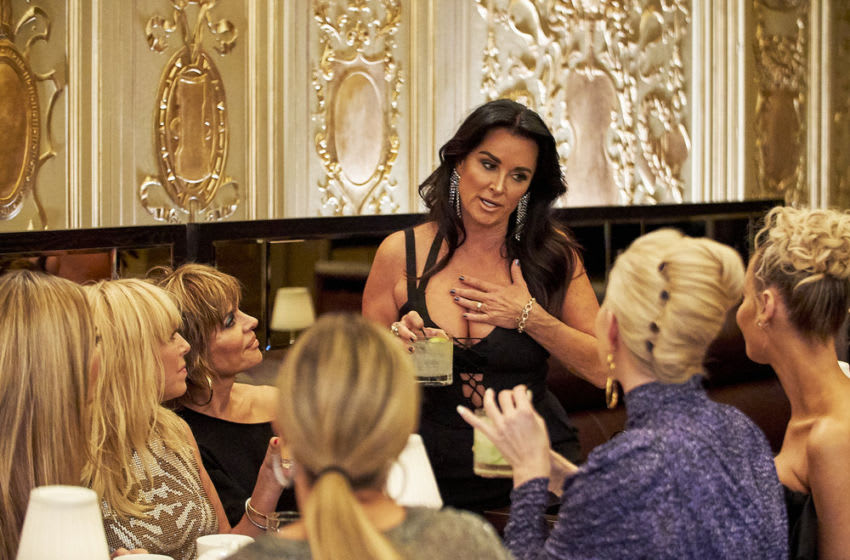 THE REAL HOUSEWIVES OF Beverly Hills, Sutton Stracke, Lisa Rinna, Kyle Richards -- (Photo by: Kathy Boos/Bravo)