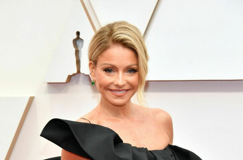 HOLLYWOOD, CALIFORNIA - FEBRUARY 09: Kelly Ripa attends the 92nd Annual Academy Awards at Hollywood and Highland on February 09, 2020 in Hollywood, California. (Photo by Amy Sussman/Getty Images)