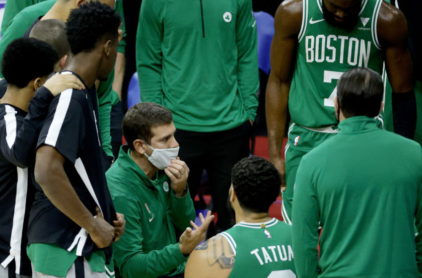 PHILADELPHIA, PENNSYLVANIA - DECEMBER 15: Head coach Brad Stevens of the Boston Celtics speaks his players during the third quarter against the Philadelphia 76ers at Wells Fargo Center on December 15, 2020 in Philadelphia, Pennsylvania. NOTE TO USER: User expressly acknowledges and agrees that, by downloading and/or using this photograph, user is consenting to the terms and conditions of the Getty Images License Agreement. (Photo by Tim Nwachukwu/Getty Images) (Photo by Tim Nwachukwu/Getty Images)