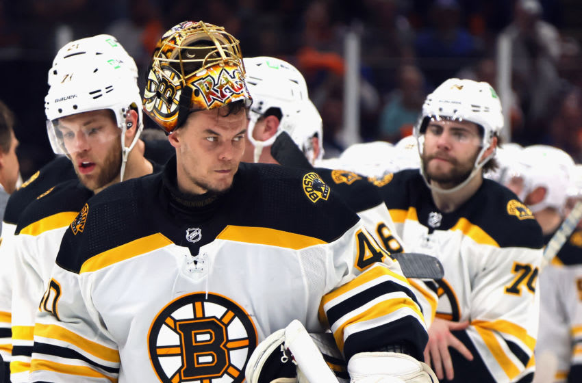UNIONDALE, NEW YORK - JUNE 09: Tuukka Rask #40 of the Boston Bruins (Photo by Bruce Bennett/Getty Images)