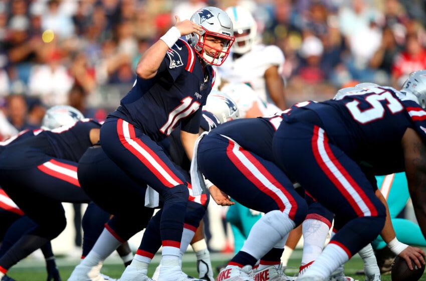 Mac Jones #10 of the New England Patriots (Photo by Adam Glanzman/Getty Images)