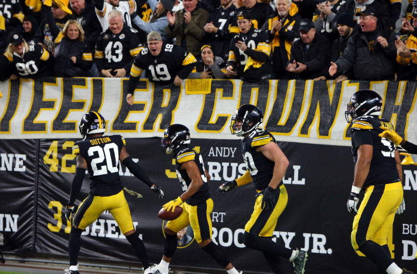 PITTSBURGH, PA - NOVEMBER 10: Minkah Fitzpatrick #39 of the Pittsburgh Steelers celebrates after recovering a fumble for a 43 yard touchdown in the first half against the Los Angeles Rams on November 10, 2019 at Heinz Field in Pittsburgh, Pennsylvania. (Photo by Justin K. Aller/Getty Images)