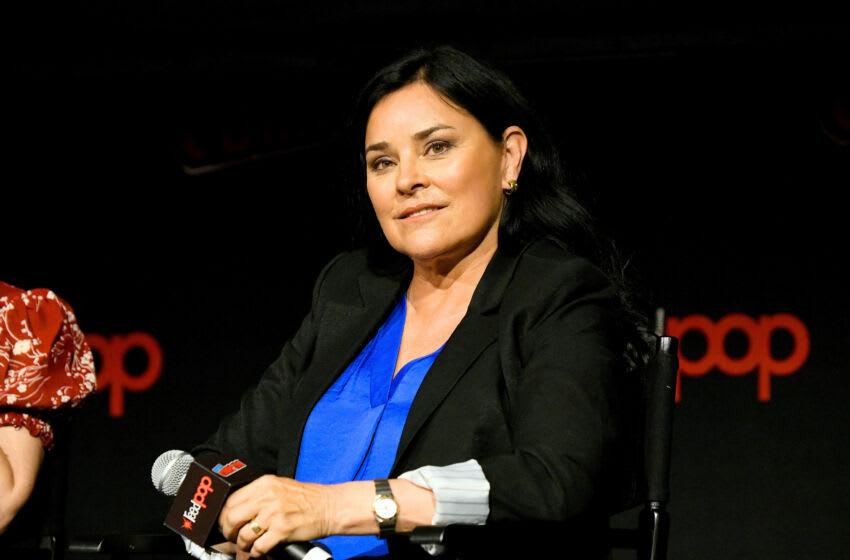 NEW YORK, NEW YORK - OCTOBER 05: Diana Gabaldon speaks onstage during a panel for STARZ