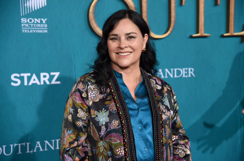 LOS ANGELES, CALIFORNIA - FEBRUARY 13: Diana Gabaldon attends the Starz Premiere event for