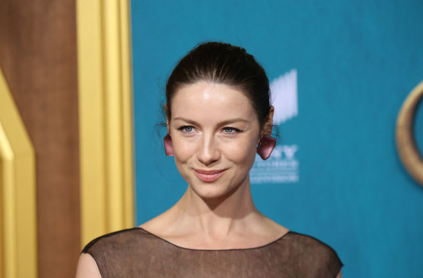LOS ANGELES, CALIFORNIA - FEBRUARY 13: Caitriona Balfe attends the Los Angeles Premiere of Starz's