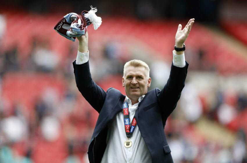 LONDON, ENGLAND - MAY 27: Aston Villa manager Dean Smith celebrates following the Sky Bet Championship Play-off Final match between Aston Villa and Derby County at Wembley Stadium on May 27, 2019 in London, United Kingdom. (Photo by Malcolm Couzens/Getty Images)