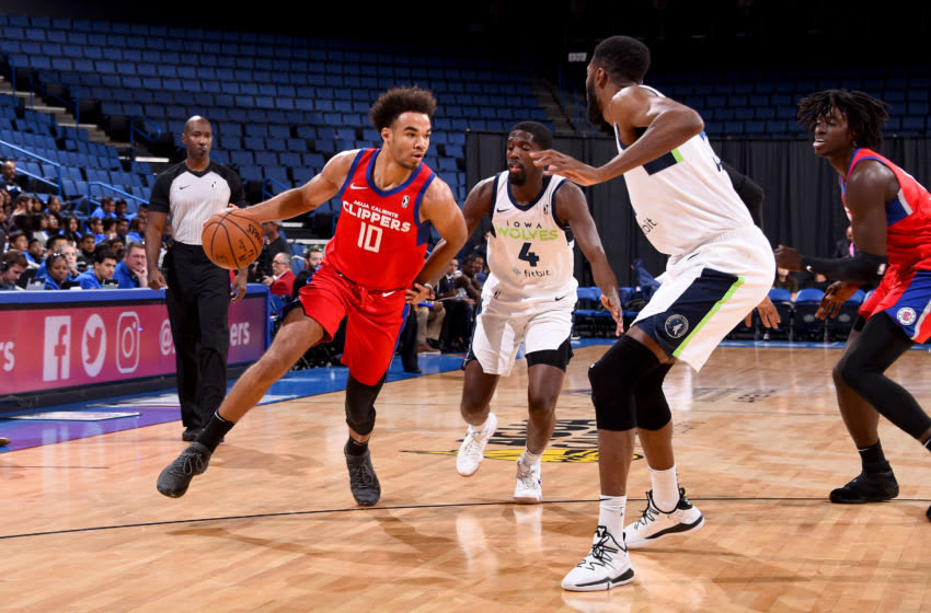 ONTARIO, CA - NOVEMBER 14: Jerome Robinson #10 of the Agua Caliente Clippers of Ontario handles the ball during the game against the Iowa Wolves on November 14, 2018 at Citizens Business Bank Arena in Ontario, California. NOTE TO USER: User expressly acknowledges and agrees that, by downloading and/or using this photograph, User is consenting to the terms and conditions of Getty Images License Agreement. Mandatory Copyright Notice: Copyright 2018 NBAE (Photo by Juan Ocampo/NBAE via Getty Images)