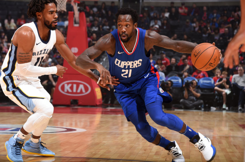 LOS ANGELES, CA - NOVEMBER 4: Patrick Beverley #21 of the LA Clippers handles the ball during the game against the Memphis Grizzlies on November 4, 2017 at STAPLES Center in Los Angeles, California. NOTE TO USER: User expressly acknowledges and agrees that, by downloading and/or using this Photograph, user is consenting to the terms and conditions of the Getty Images License Agreement. Mandatory Copyright Notice: Copyright 2017 NBAE (Photo by Andrew D. Bernstein/NBAE via Getty Images)