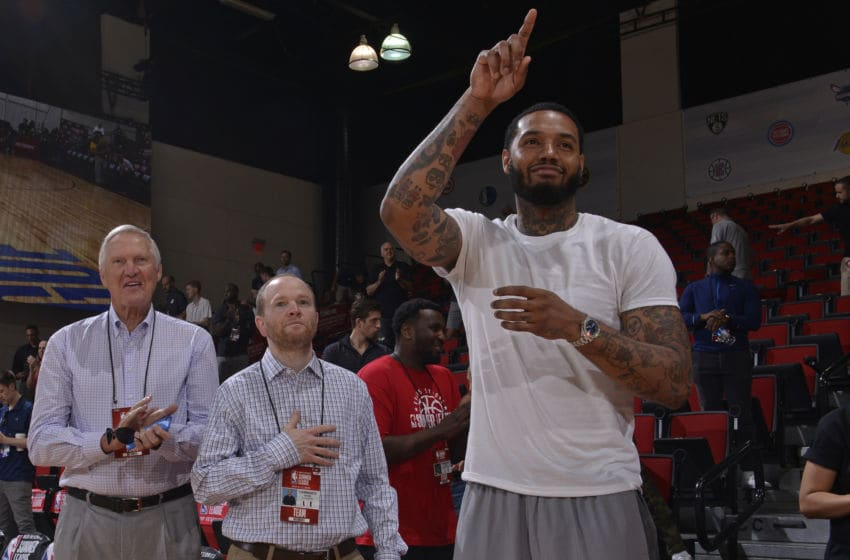 LAS VEGAS, NV - JULY 11: Mike Scott of the LA Clippers acknowledges crowd next to NBA Legend Jerry West and Executive Vice President Lawrence Frank of the LA Clippers before the game between LA Clippers and Washington Wizards during the 2018 Las Vegas Summer League on July 11, 2018 at the Cox Pavilion in Las Vegas, Nevada. NOTE TO USER: User expressly acknowledges and agrees that, by downloading and/or using this photograph, user is consenting to the terms and conditions of the Getty Images License Agreement. Mandatory Copyright Notice: Copyright 2018 NBAE (Photo by David Dow/NBAE via Getty Images)