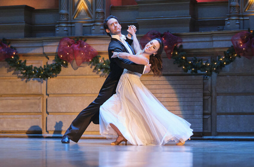 After Avery's storybook Christmas wedding is canceled unexpectedly, dance instructor Roman helps her rebuild her dreams. Photo: Will Kemp, Lacey Chabert Credit: ©2020 Crown Media United States LLC/Photographer:Bettina Strauss