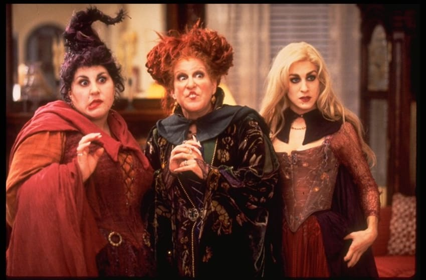 HOCUS POCUS - FreeformÕs spooktacular Ò13 Nights of HalloweenÓ annual programming event brings the chills and thrills October 19 -31 with your favorite Halloween films. (BUENA VISTA PICTURES/ANDREW COOPER) KATHY NAJIMY, BETTE MIDLER, SARAH JESSICA PARKER