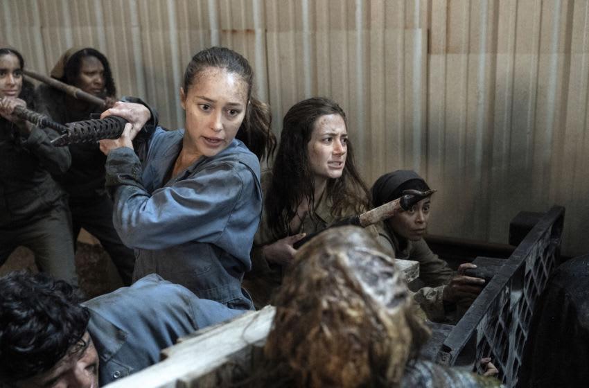 Alycia Debnam-Carey as Alicia Clark, Holly Currin as Janis- Fear the Walking Dead _ Season 6 - Photo Credit: Ryan Green/AMC