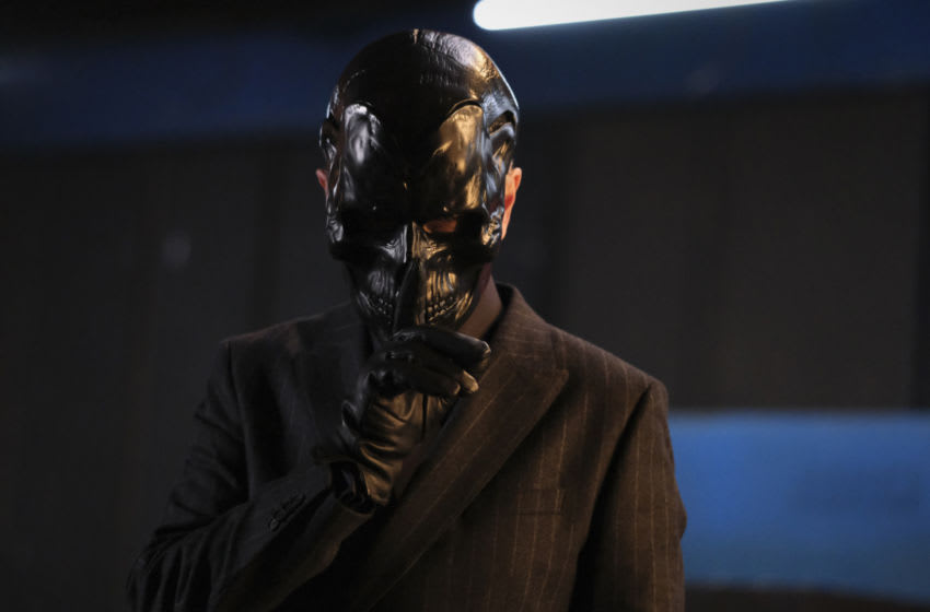 "Batwoman -- ""Rule #1"" -- Image Number: BWN209b_0097r -- Pictured: Peter Outerbridge as Black Mask -- Photo: Bettina Strauss/The CW -- © 2021 The CW Network, LLC. All Rights Reserved."