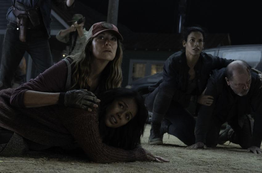 Karen David as Grace, Mo Collins as Sarah, Danay Garcia as Luciana, Rubén Blades as Daniel Salazar - Fear the Walking Dead _ Season 6, Episode 9 - Photo Credit: Ryan Green / AMC