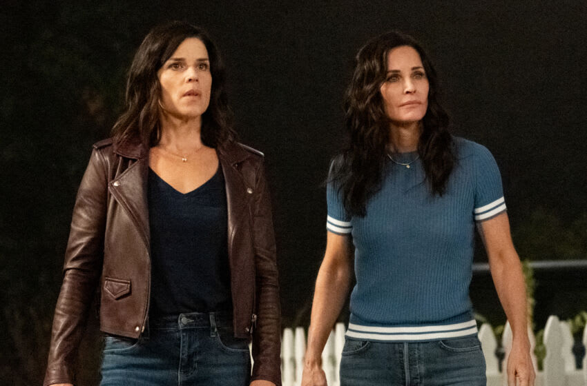 """Neve Campbell (""""Sidney Prescott""""), left, and Courteney Cox (""""Gale Weathers"""") star in Paramount Pictures and Spyglass Media Group's"""