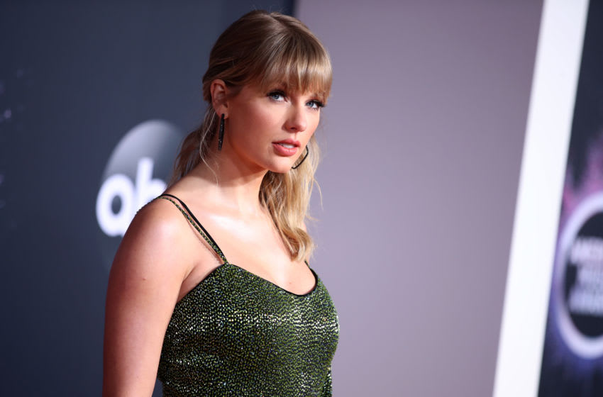 LOS ANGELES, CALIFORNIA - NOVEMBER 24: Taylor Swift attends the 2019 American Music Awards at Microsoft Theater on November 24, 2019 in Los Angeles, California. (Photo by Rich Fury/Getty Images)