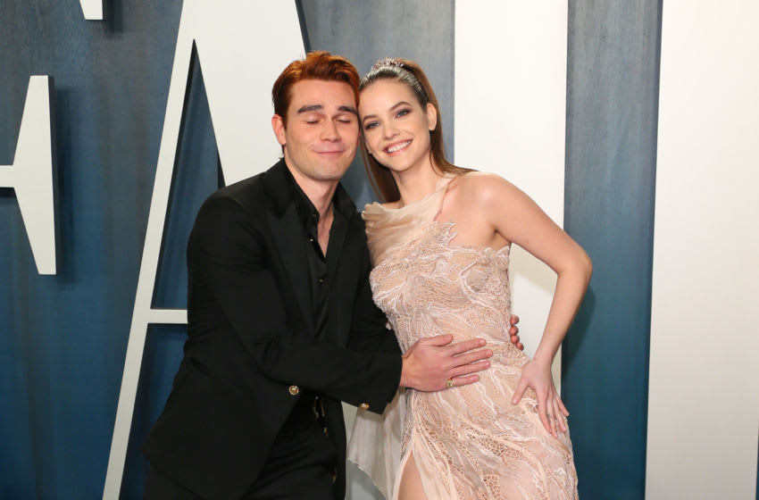 New Zealand actor KJ Apa and French model Clara Berry attend the 2020 Vanity Fair Oscar Party following the 92nd Oscars at The Wallis Annenberg Center for the Performing Arts in Beverly Hills on February 9, 2020. (Photo by Jean-Baptiste Lacroix / AFP) (Photo by JEAN-BAPTISTE LACROIX/AFP via Getty Images)