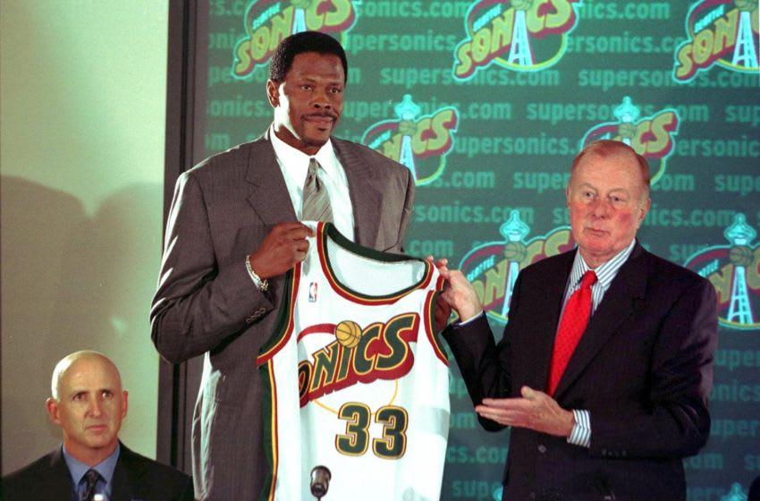 Patrick Ewing, New York Knicks (Photo credit should read DAN LEVINE/AFP via Getty Images)