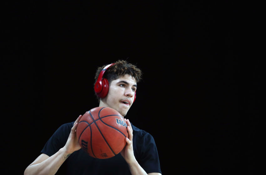 AUCKLAND, NEW ZEALAND - OCTOBER 24: LaMelo Ball of the Hawks looks on during warm up prior to the round four NBL match between the New Zealand Breakers and the Illawarra Hawks at Spark Arena on October 24, 2019 in Auckland, New Zealand. (Photo by Anthony Au-Yeung/Getty Images)