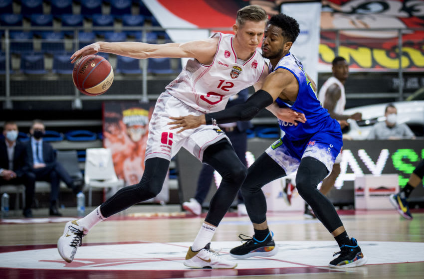 Antwerp's Vrenz Bleijenbergh and Mons' Arik Smith pictured in action during the basketball match between Antwerp Giants and Mons-Hainaut, Friday 02 April 2021 in Brussels, a game of day 8 in the second phase of the 'EuroMillions League' Belgian first division basket championships. BELGA PHOTO JASPER JACOBS (Photo by JASPER JACOBS/BELGA MAG/AFP via Getty Images)