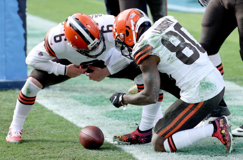 NASHVILLE, TENNESSEE - DECEMBER 06: Quarterback Baker Mayfield #6 and Jarvis Landry #80 Cleveland Browns celebrate a touchdown against the Tennessee Titans in the first quarter in the first quarter at Nissan Stadium on December 06, 2020 in Nashville, Tennessee. (Photo by Andy Lyons/Getty Images)