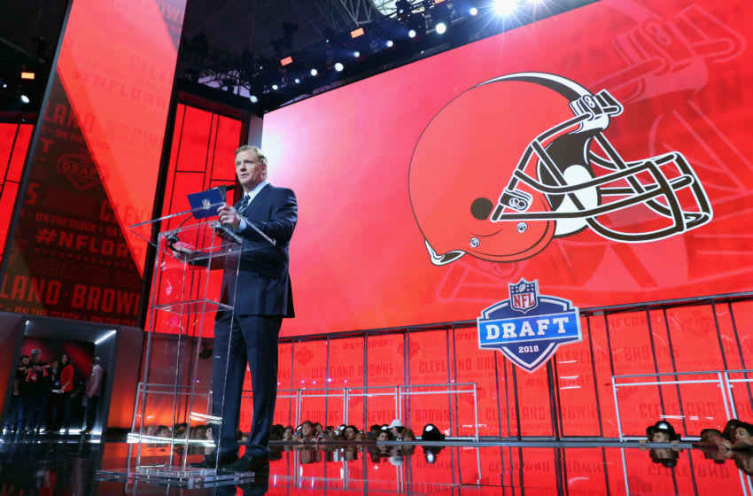 ARLINGTON, TX - APRIL 26: NFL Commissioner Roger Goodell announces a pick by the Cleveland Browns during the first round of the 2018 NFL Draft at AT