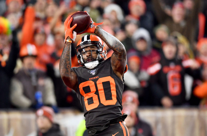 CLEVELAND, OHIO - NOVEMBER 14: Wide receiver Jarvis Landry #80 of the Cleveland Browns catches a pass for a touchdown in the second quarter of the game against the Pittsburgh Steelers at FirstEnergy Stadium on November 14, 2019 in Cleveland, Ohio. (Photo by Jamie Sabau/Getty Images)