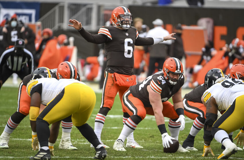 CLEVELAND, OHIO - JANUARY 03: Baker Mayfield #6 of the Cleveland Browns talks at the line scrimmage during the third quarter against the Pittsburgh Steelers at FirstEnergy Stadium on January 03, 2021 in Cleveland, Ohio. (Photo by Nic Antaya/Getty Images)