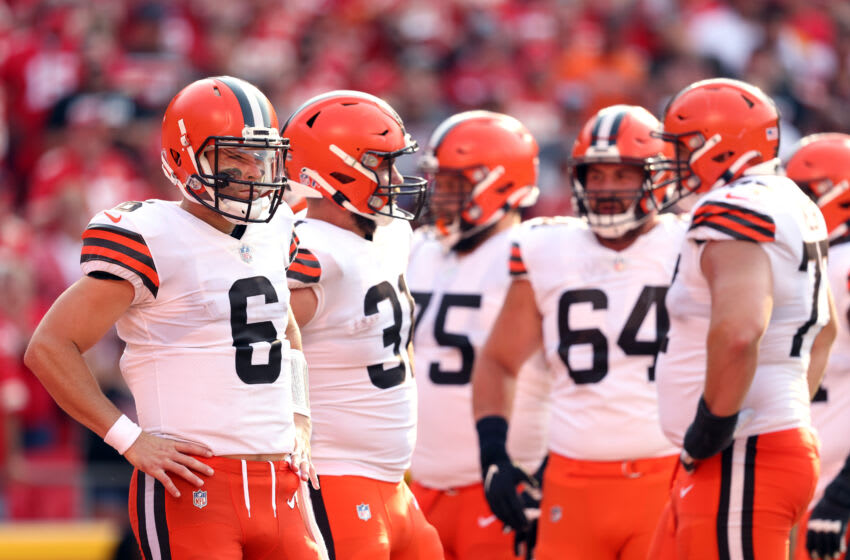 KANSAS CITY, MISSOURI - SEPTEMBER 12: Quarterback Baker Mayfield #6 of the Cleveland Browns waits during a timeout in the game against the Kansas City Chiefs at Arrowhead Stadium on September 12, 2021 in Kansas City, Missouri. (Photo by Jamie Squire/Getty Images)