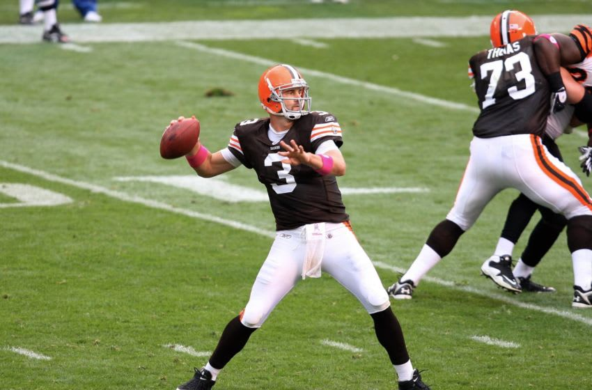 CLEVELAND - OCTOBER 4: Derek Anderson #3 of the Cleveland Browns passes against the Cincinnati Bengals at Cleveland Browns Stadium on October 4, 2009 in Cleveland, Ohio. The Bengals defeated the Browns 23-20. (Photo by Scott Cunningham/Getty Images)
