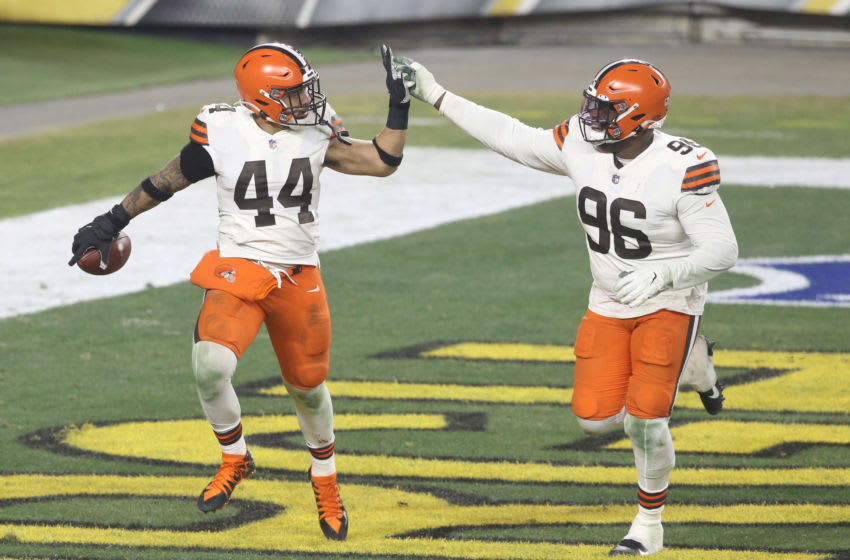Cleveland Browns free agency. Mandatory Credit: Charles LeClaire-USA TODAY Sports