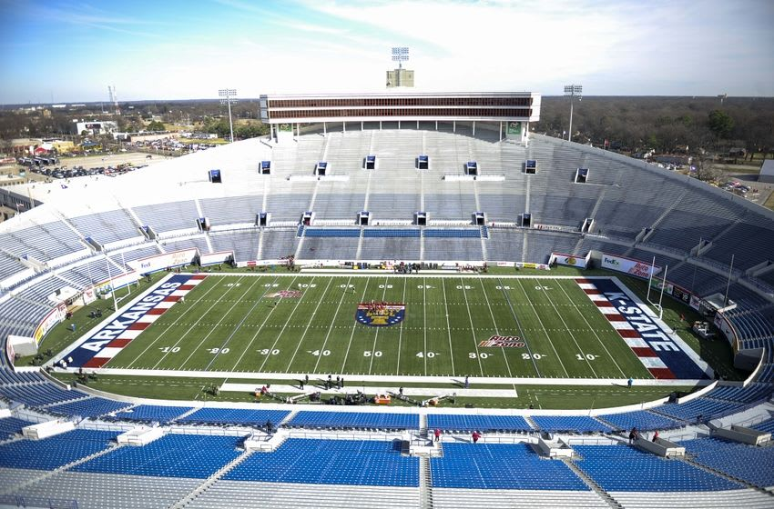 Jan 2, 2016; Memphis, TN, USA; A general view before the game between the Kansas State Wildcats and the Arkansas Razorbacks at Liberty Bowl. Mandatory Credit: Justin Ford-USA TODAY Sports
