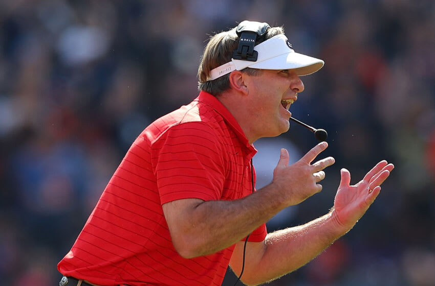 AUBURN, ALABAMA - OCTOBER 09: Head coach Kirby Smart of the Georgia Bulldogs yells to his team against the Auburn Tigers during the first half at Jordan-Hare Stadium on October 09, 2021 in Auburn, Alabama. (Photo by Kevin C. Cox/Getty Images)