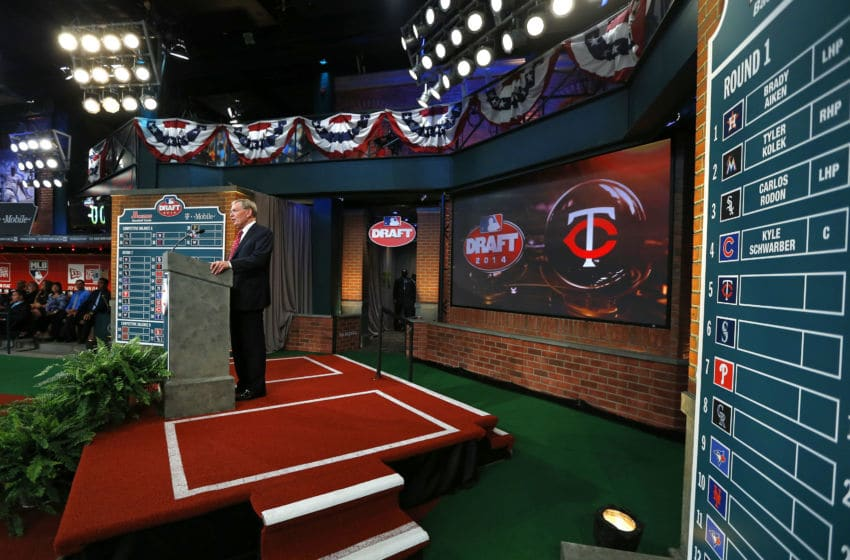 SECAUCUS, NJ - JUNE 5: Commissioner Allan H. Bud Selig announces the fifth overall pick of Nick Gordon by the Minnesota Twins during the MLB First-Year Player Draft at the MLB Network Studio on June 5, 2014 in Secacucus, New Jersey. (Photo by Rich Schultz/Getty Images)