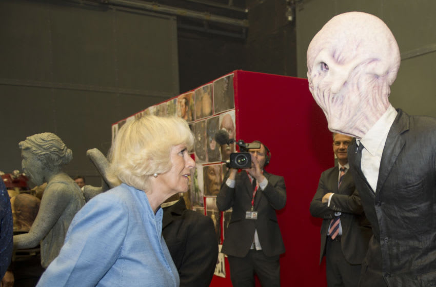 Nobody is safe in a pandemic. Here Duchess of Wales meets one of The Silence while visiting the set of 'Doctor Who' July 3, 2013 in Cardiff, Wales. (Photo by Arthur Edwards - WPA Pool/Getty Images)