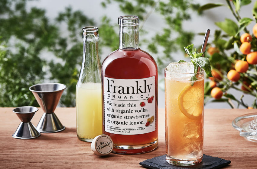 Strawberry Basil Lemonade Cocktail for Yappy Hour with Frankly Organic. Image courtesy of Frankly Organic Vodka