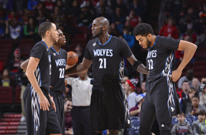 PHILADELPHIA - JANUARY 04: Tayshaun Prince #12, Andrew Wiggins #22, Kevin Garnett #21 and Karl-Anthony Towns #32 of the Minnesota Timberwolves huddle up. Copyright 2016 NBAE (Photo by David Dow/NBAE via Getty Images)