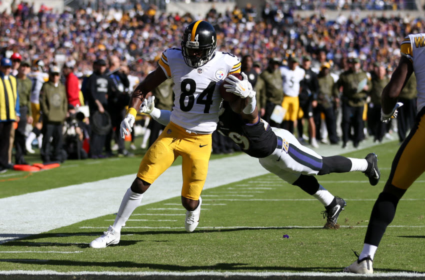 BALTIMORE, MD - NOVEMBER 04: Wide Receiver Antonio Brown #84 of the Pittsburgh Steelers scores a touchdown in the second quarter against the Baltimore Ravens at M&T Bank Stadium on November 4, 2018 in Baltimore, Maryland. (Photo by Will Newton/Getty Images)