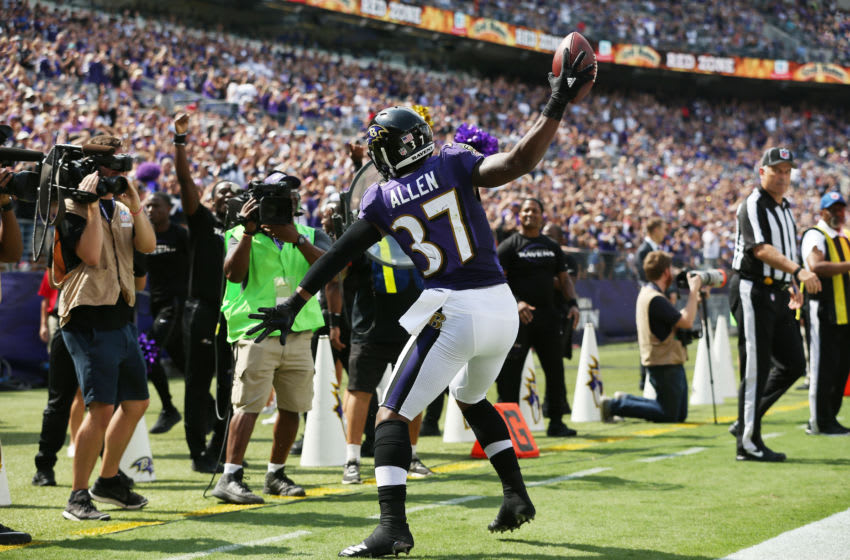 BALTIMORE, MD - SEPTEMBER 17: Running back Javorius Allen #37 of the Baltimore Ravens celebrates his touchdown against the Cleveland Browns in the second quarter at M&T Bank Stadium on September 17, 2017 in Baltimore, Maryland. (Photo by Patrick Smith/Getty Images)