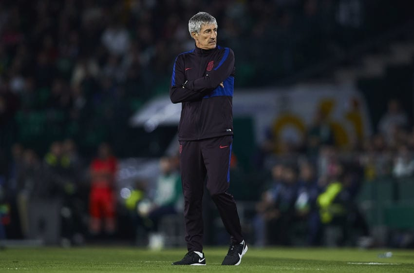 SEVILLE, SPAIN - FEBRUARY 09: Quique Setien, head coach of FC Barcelona looks on during the Liga match between Real Betis Balompie and FC Barcelona at Estadio Benito Villamarin on February 09, 2020 in Seville, Spain. (Photo by Fran Santiago/Quality Sport Images/Getty Images)