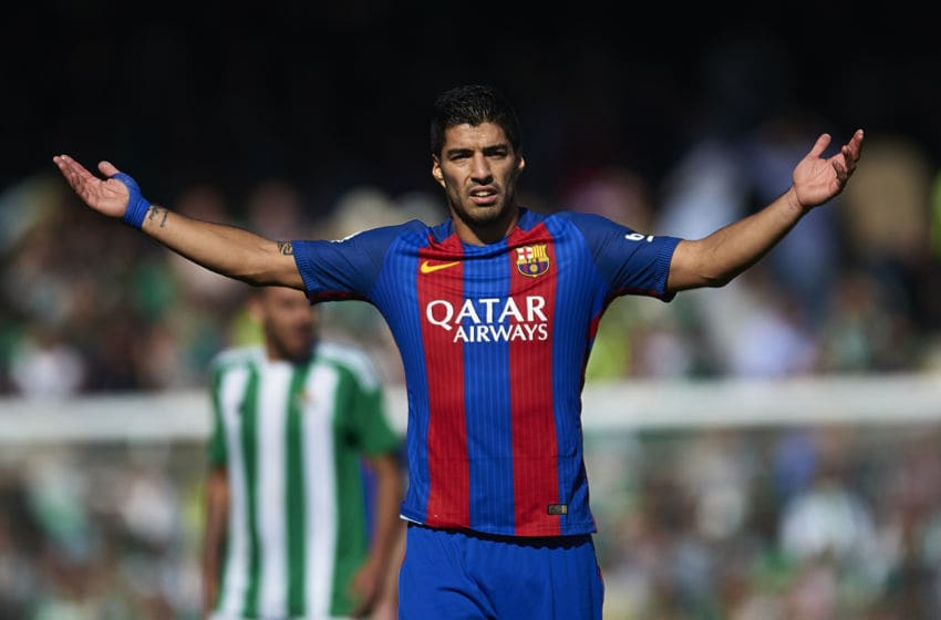 SEVILLE, SPAIN - JANUARY 29: Luis Suarez of FC Barcelona reacts during La Liga match between Real Betis Balompie and FC Barcelona at Benito Villamarin Stadium on January 29, 2017 in Seville, Spain. (Photo by Aitor Alcalde/Getty Images)