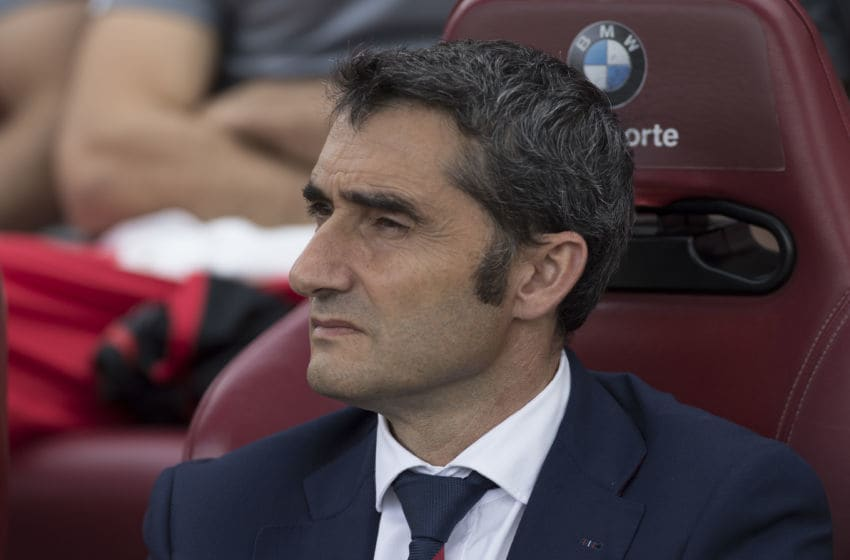 MADRID, SPAIN - MAY 21: Ernesto Valverde coach of Athletic Club Bilbao looks on before of the La Liga match between Club Atletico de Madrid and Athletic Club Bilbao at Vicente Calderon stadium on May 21, 2017 in Madrid, Spain. (Photo by Patricio Realpe/LatinContent/Getty Images)