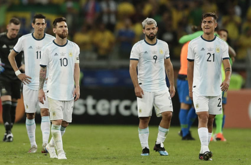 BELO HORIZONTE, BRAZIL - JULY 02: (L-R) Angel Di Maria, Lionel Messi, Sergio Aguero and Paulo Dybala of Argentina react after losing the Copa America Brazil 2019 Semi Final match between Brazil(Photo by Gustavo Ortiz/Jam Media/Getty Images)