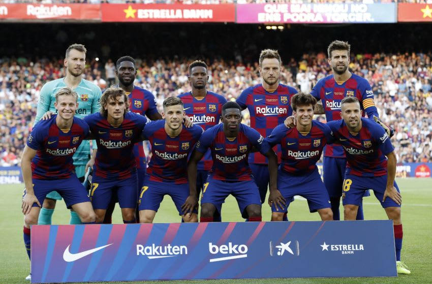 (Top Row L-R) FC Barcelona goalkeeper Norberto Murara Neto, Samuel Umtiti of FC Barcelona, Nelson Semedo of FC Barcelona, Ivan Rakitic of FC Barcelona, Gerard Pique of FC Barcelona (Front row L-R) Frenkie de Jong of FC Barcelona, Antoine Griezmann of FC Barcelona, Carles Perez of FC Barcelona, Ousmane Dembele of FC Barcelona, Riqui Puig of FC Barcelona, Jordi Alba of FC Barcelona during the Trofeu Joan Gamper match between FC Barcelona and Arsenal FC at the Camp Nou stadium on August 04, 2019 in Barcelona, Spain(Photo by VI Images via Getty Images)