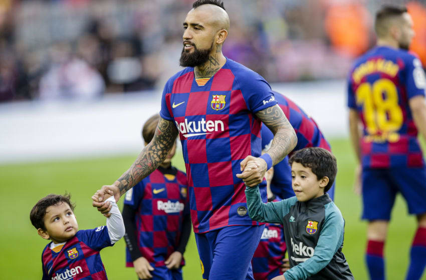 22 Arturo Vidal from Chile of FC Barcelona with his children Alonso Vidal during La Liga match between FC Barcelona and Deportivo Alaves at Camp Nou on December 21, 2019 in Barcelona, Spain. (Photo by Xavier Bonilla/NurPhoto via Getty Images)