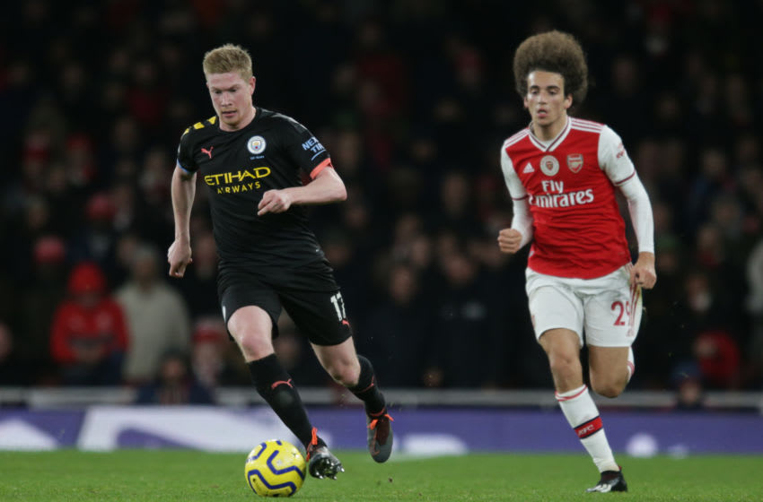 Kevin De Bruyne of Manchester City and Matteo Guendouzi of Arsenal . (Photo by Robin Jones/Getty Images)