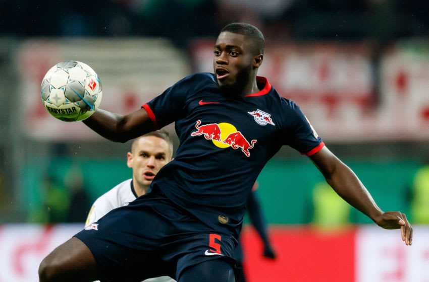 FRANKFURT AM MAIN, GERMANY - FEBRUARY 04: (BILD ZEITUNG OUT) Dayot Upamecano of RB Leipzig controls the ball during the DFB Cup round of sixteen match between Eintracht Frankfurt and RB Leipzig at Commerzbank Arena on February 4, 2020 in Frankfurt am Main, Germany. (Photo by Roland Krivec/DeFodi Images via Getty Images)